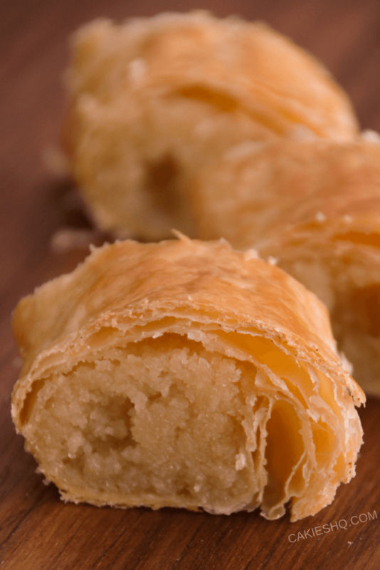 This banketstaaf recipe is an easy recipe for the traditional Dutch Banketstaaf. Dutch Banket Pastry is puff pastry with filling. A Christmas treat.