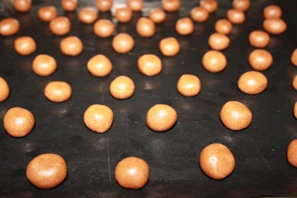 Lekkerste Kruidnootjes Recept | Een makkelijk kruidnootjes recept mag uiteraard niet missen voor Sinterklaas. Dit kruidnootjes recept is super makkelijk en leuk om met kinderen te maken. | http://www.cakies.nl | Stap 13