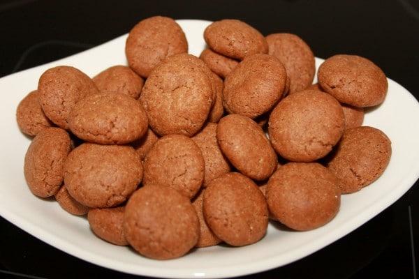 Lekkerste Kruidnootjes Recept | Een makkelijk kruidnootjes recept mag uiteraard niet missen voor Sinterklaas. Dit kruidnootjes recept is super makkelijk en leuk om met kinderen te maken. | http://www.cakies.nl | Stap 15