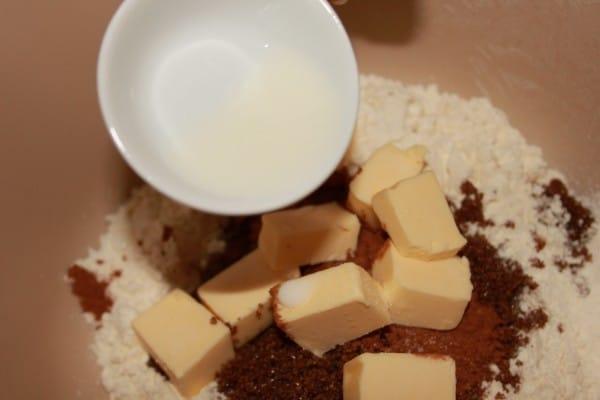 Lekkerste Kruidnootjes Recept | Een makkelijk kruidnootjes recept mag uiteraard niet missen voor Sinterklaas. Dit kruidnootjes recept is super makkelijk en leuk om met kinderen te maken. | http://www.cakies.nl | Stap 09