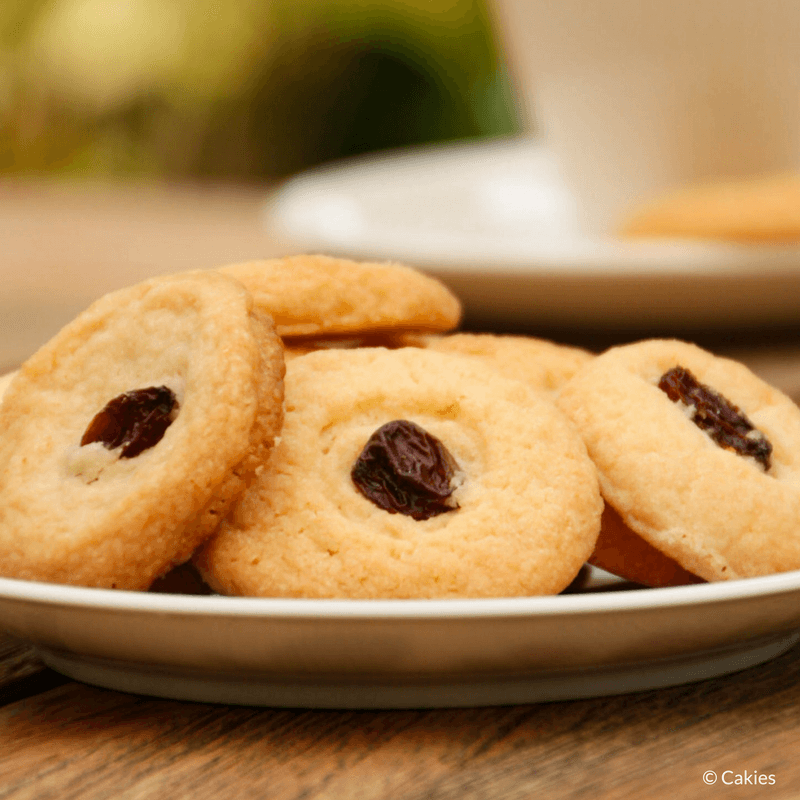 Surinamese butter cookies, or boterbiesjes are a delicious butter cookie topped with a currant or raisin. Surinamese butter cookies are super easy to make.